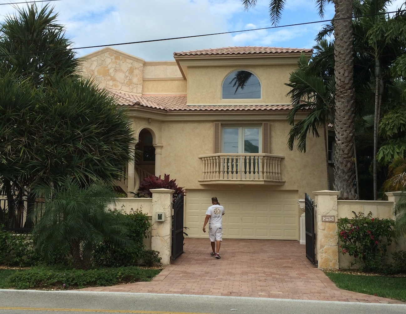 Exterior house painters south Florida